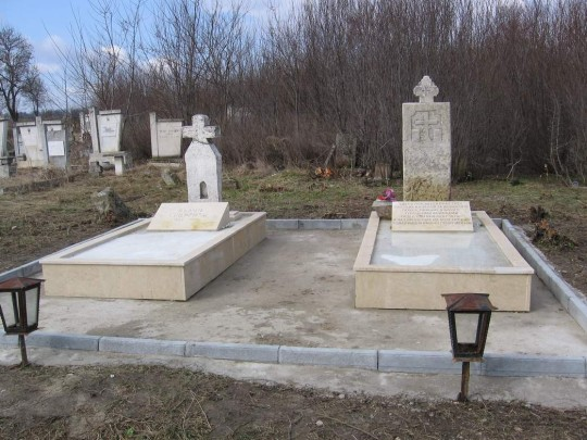 files/upload/military-monuments/gen-toshevo/Kazashkoto_grobche_2_s._Pchelarvo.jpg